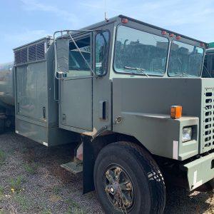 Oskosh Tank truck. Airport Tanker 3 meter wide